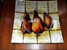 BOLD ART GLASS SQUARE DISH METALLIC FINISH BOLD PEAR DESIGN GLITTER DETAIL 9.5""